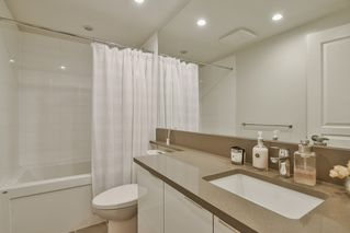 """Photo 15: 3901 5883 BARKER Avenue in Burnaby: Metrotown Condo for sale in """"ALDYANNE ON THE PARK"""" (Burnaby South)  : MLS®# R2348636"""