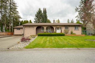 Photo 1: 4774 206A Street in Langley: Langley City House for sale : MLS®# R2361085