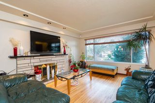 Photo 2: 1715 E 47TH Avenue in Vancouver: Killarney VE House for sale (Vancouver East)  : MLS®# R2446314