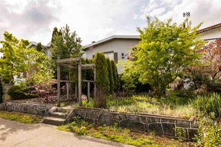 Photo 2: 444 E 38TH Avenue in Vancouver: Fraser VE House for sale (Vancouver East)  : MLS®# R2452399