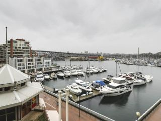 """Photo 5: 302 1008 BEACH Avenue in Vancouver: Yaletown Condo for sale in """"1000 BEACH"""" (Vancouver West)  : MLS®# R2527239"""