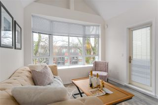 "Photo 4: 404 2755 MAPLE Street in Vancouver: Kitsilano Condo for sale in ""Davenport Lane"" (Vancouver West)  : MLS®# R2428313"