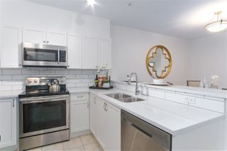 "Photo 10: 404 2755 MAPLE Street in Vancouver: Kitsilano Condo for sale in ""Davenport Lane"" (Vancouver West)  : MLS®# R2428313"