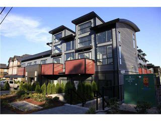 Photo 1: 207 6588 ELGIN Avenue in Burnaby: Forest Glen BS Condo for sale (Burnaby South)  : MLS®# R2473255