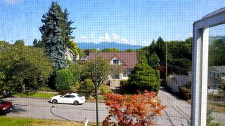Photo 3: 3338 W 31ST Avenue in Vancouver: Dunbar House for sale (Vancouver West)  : MLS®# R2391525