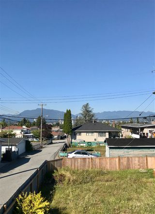 Photo 2: 3521 PRICE Street in Vancouver: Collingwood VE House for sale (Vancouver East)  : MLS®# R2488840