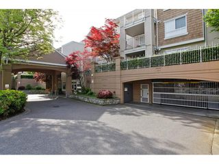 """Photo 2: 123 19750 64 Avenue in Langley: Willoughby Heights Condo for sale in """"The Davenport"""" : MLS®# R2144269"""