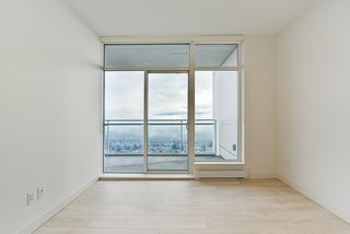 """Photo 10: 4908 4670 ASSEMBLY Way in Burnaby: Metrotown Condo for sale in """"STATION SQUARE 2"""" (Burnaby South)  : MLS®# R2346789"""