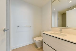 """Photo 12: 4908 4670 ASSEMBLY Way in Burnaby: Metrotown Condo for sale in """"STATION SQUARE 2"""" (Burnaby South)  : MLS®# R2346789"""
