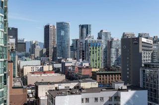 """Photo 13: 1101 1212 HOWE Street in Vancouver: Downtown VW Condo for sale in """"1212 HOWE"""" (Vancouver West)  : MLS®# R2351549"""
