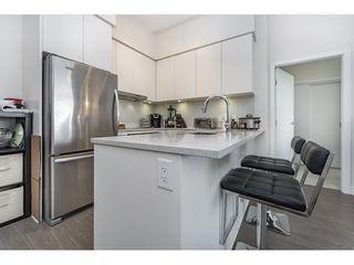 """Photo 5: 712 668 COLUMBIA Street in New Westminster: Quay Condo for sale in """"TRAPP AND HOLBROOK"""" : MLS®# R2178906"""