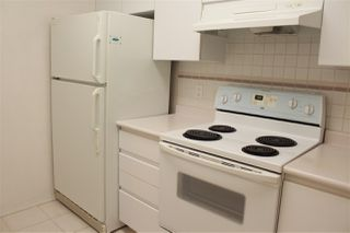 """Photo 4: 206 5833 WILSON Avenue in Burnaby: Central Park BS Condo for sale in """"PARAMOUNT I"""" (Burnaby South)  : MLS®# R2348289"""