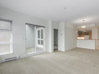 """Photo 6: 301 6198 ASH Street in Vancouver: Oakridge VW Condo for sale in """"THE GROVE"""" (Vancouver West)  : MLS®# R2332430"""