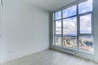 """Photo 14: 5202 4670 ASSEMBLY Way in Burnaby: Metrotown Condo for sale in """"STATION SQUARE"""" (Burnaby South)  : MLS®# R2355560"""
