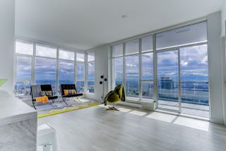 """Photo 8: 5202 4670 ASSEMBLY Way in Burnaby: Metrotown Condo for sale in """"STATION SQUARE"""" (Burnaby South)  : MLS®# R2355560"""
