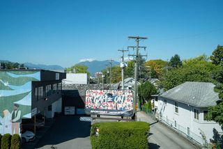 """Photo 36: 213 202 E 24TH Avenue in Vancouver: Main Condo for sale in """"Bluetree Homes on Main"""" (Vancouver East)  : MLS®# R2487814"""