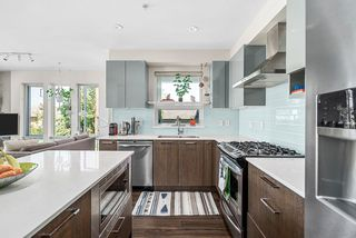 """Photo 15: 213 202 E 24TH Avenue in Vancouver: Main Condo for sale in """"Bluetree Homes on Main"""" (Vancouver East)  : MLS®# R2487814"""