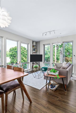 """Photo 6: 213 202 E 24TH Avenue in Vancouver: Main Condo for sale in """"Bluetree Homes on Main"""" (Vancouver East)  : MLS®# R2487814"""