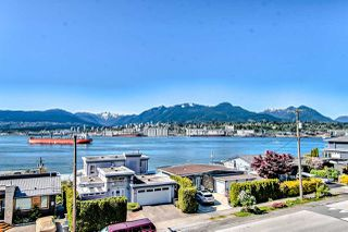 "Photo 2: 418 2366 WALL Street in Vancouver: Hastings Condo for sale in ""LANDMARK MARINER"" (Vancouver East)  : MLS®# R2455130"