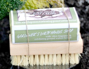 Gardening Presents: Dirty Hands Care Kit
