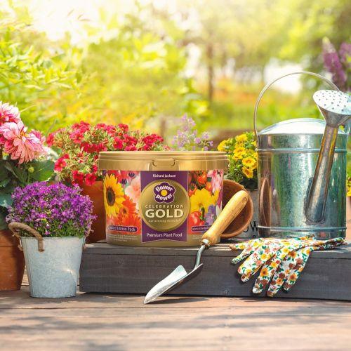 Richard Jackson Flower Power Celebration gold tub
