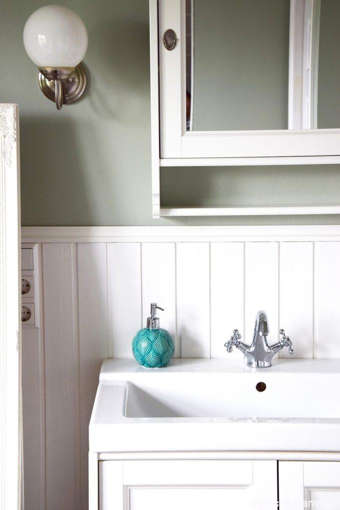 Moderne Badezimmer Dekoration Runder Teppich Und Runder Spiegel