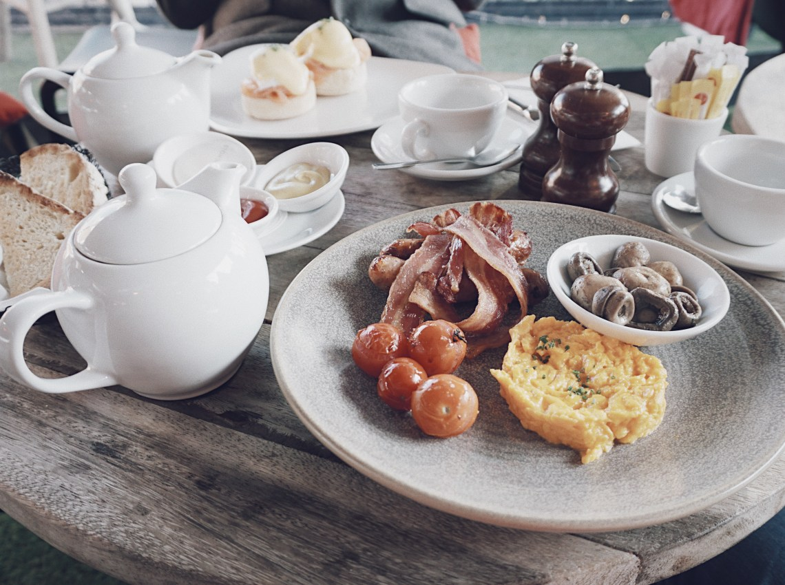 Full-english breakfast. The Fifth Floor Terrace at Harvey Nichols.