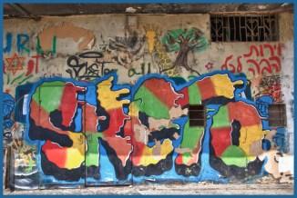 2-dolphinarium graffiti 3