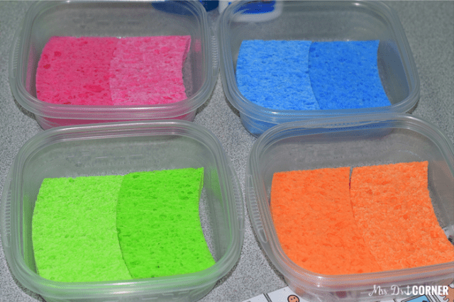 Put the sponges inside of the containers.