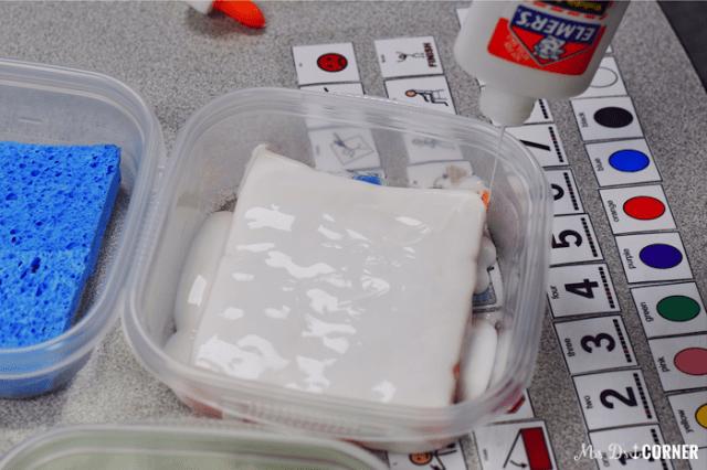 Pour liquid glue on top of sponges. One bottle per container.