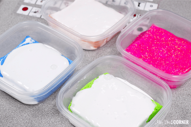 Let the containers and glue sponges sit overnight to soak.