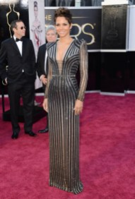 Halle Berry in Versace dress at the Oscars 2013