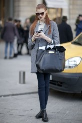 red hair street style