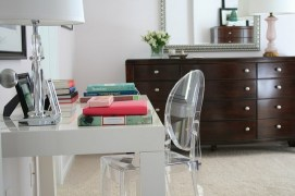Another transparent acrylic chair! Beautiful!