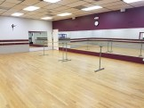 Studio A, with permanent and portable barres