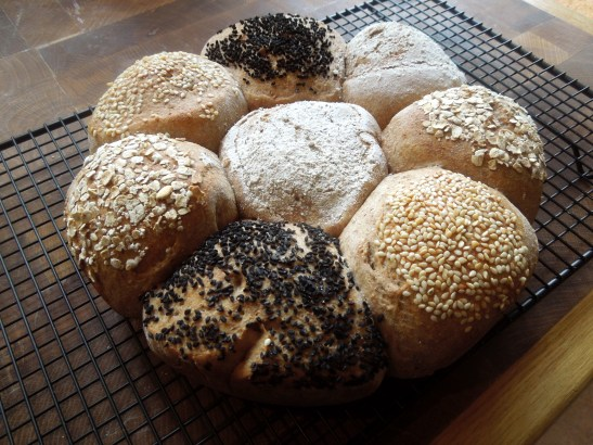 Image of wholemeal tear and share bread