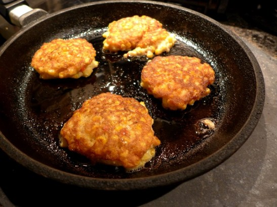 Image of chilli corn fritters frying