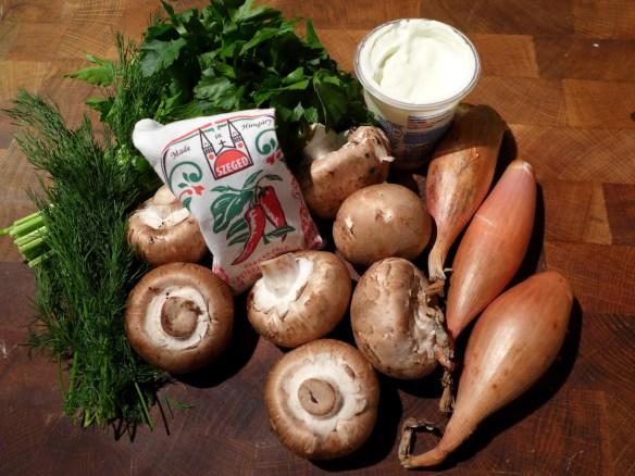 Image of mushroom goulash ingredients