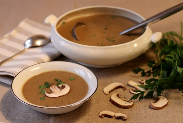 Image of chestnut and mushroom soup