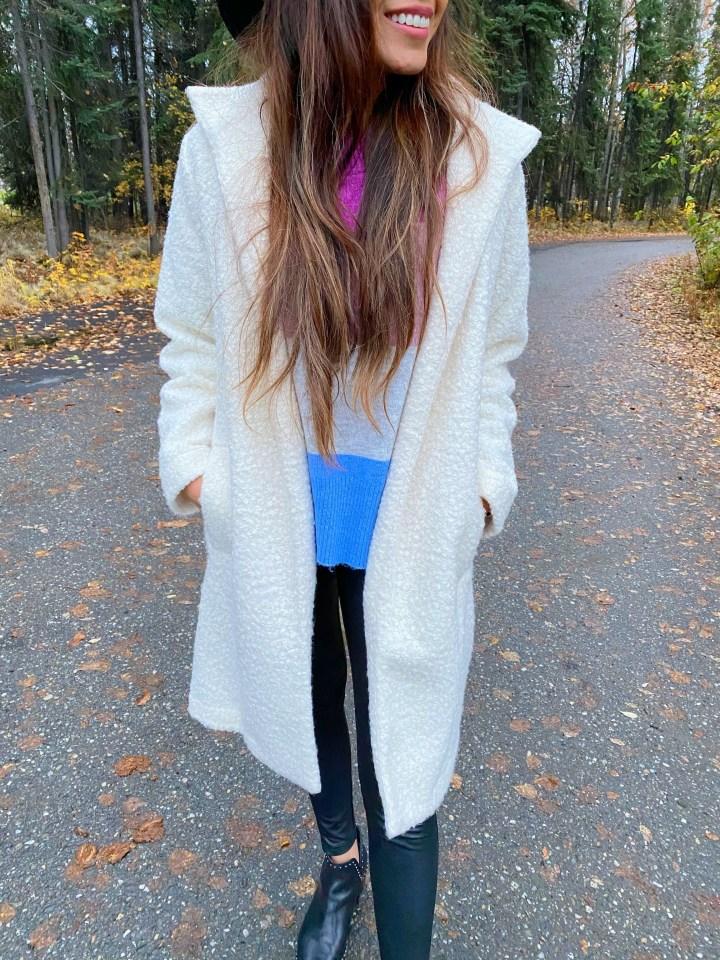 Alaska Outfits: Crewneck Pullovers & Leggings