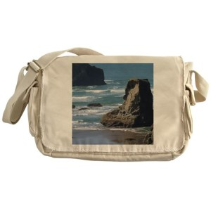 Pacific Ocean Beach View Messenger Bag