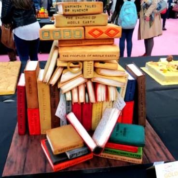 book-man-cake