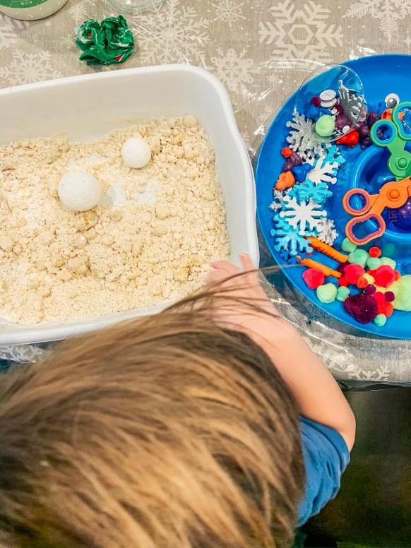 snow-sensory-bins