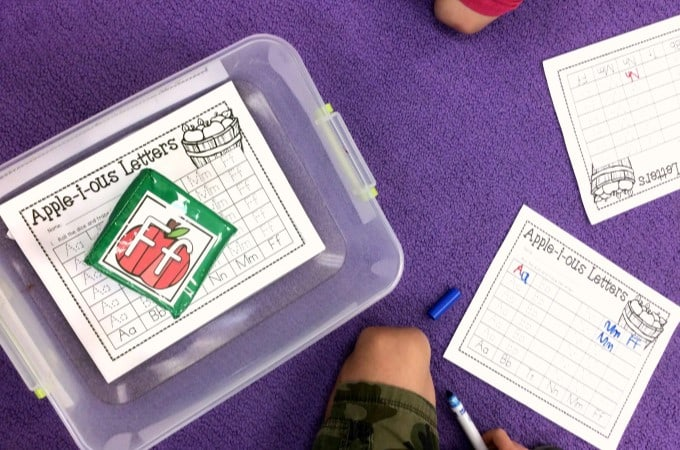 Kindergarten learning activities for math centers and literacy centers. Check out these kindergarten differentiation cube activities! Great for centers or stations! FREE file included