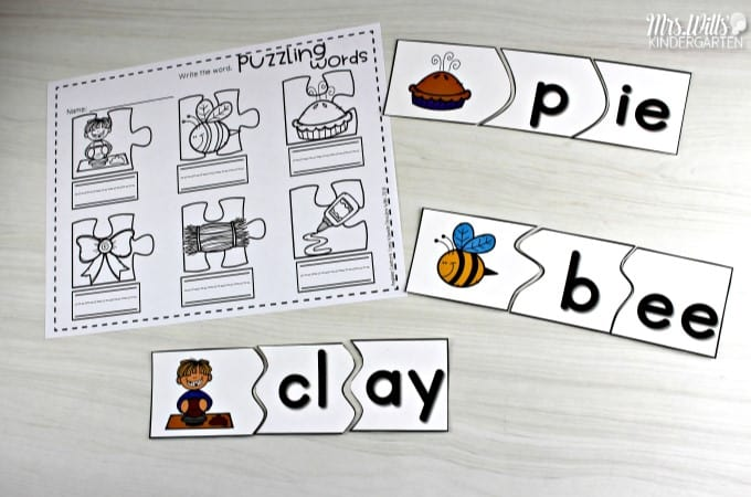 Non-thematic kindergarten literacy centers can be used at any time throughout the year. CVC words, rhyming, letter sounds, and more!