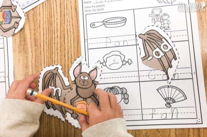 Bat lesson plan ideas with engaging activities to support reading comprehension. Math & literacy centers, crafts, videos, and yummy snacks, too!