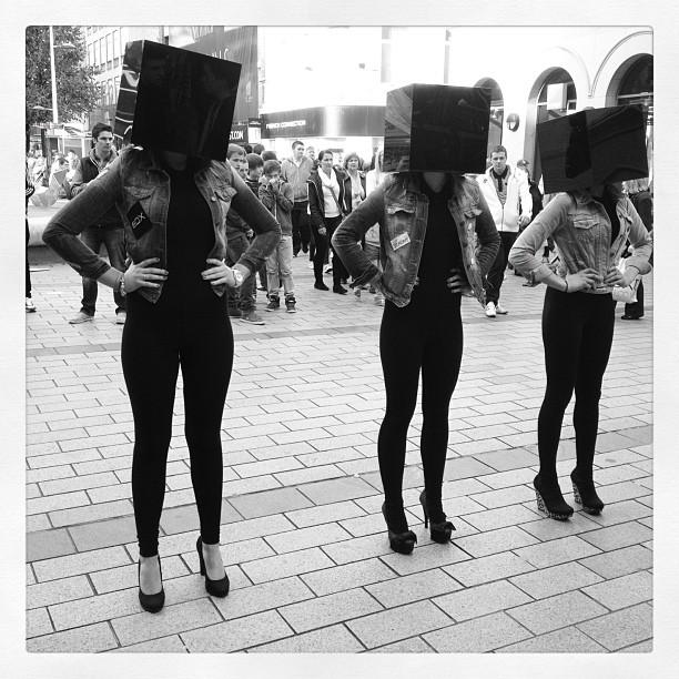 20121006 Box heads
