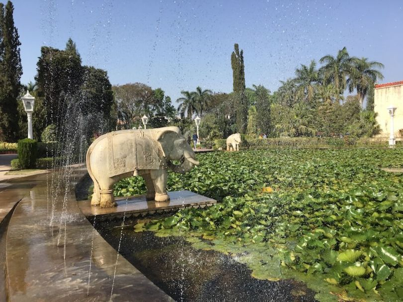 Elephant statue at Kamal Talai Fountain