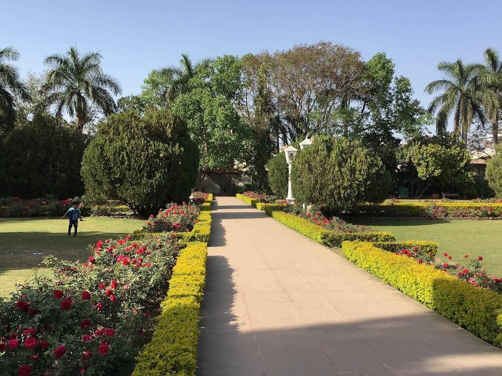 Summer garden at Sahelion Ki Bari