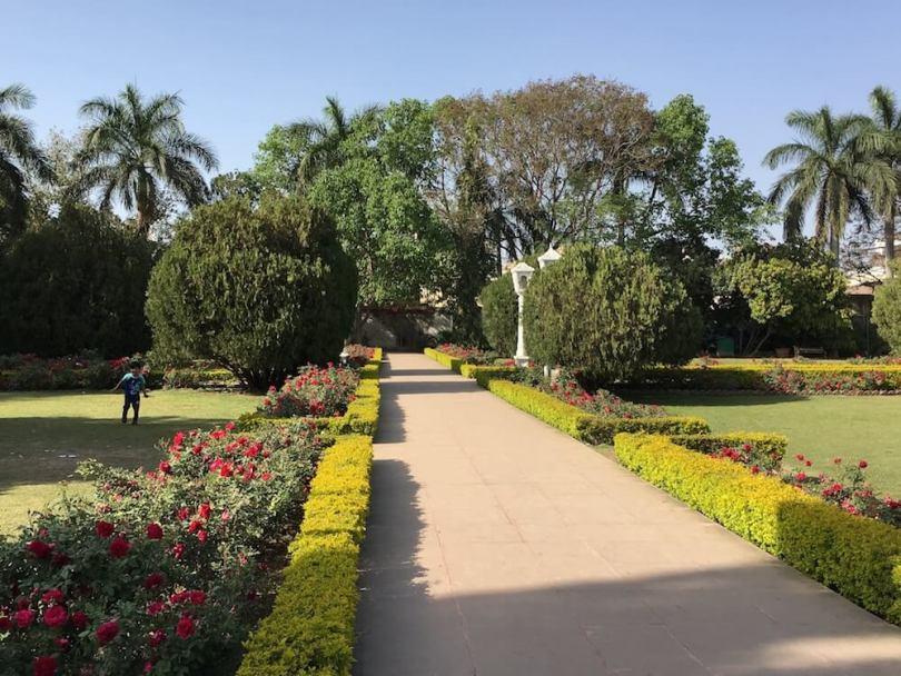 Summer garden at Sahelion Ki Bari